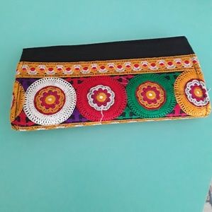 NWOT Vibrant embroidered clutch/wallet.
